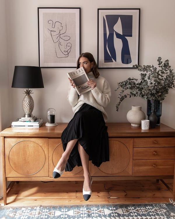 Jess Skye at home