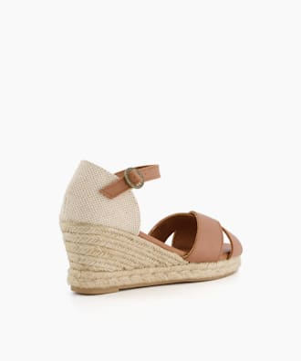 ANGELINE, Camel, small
