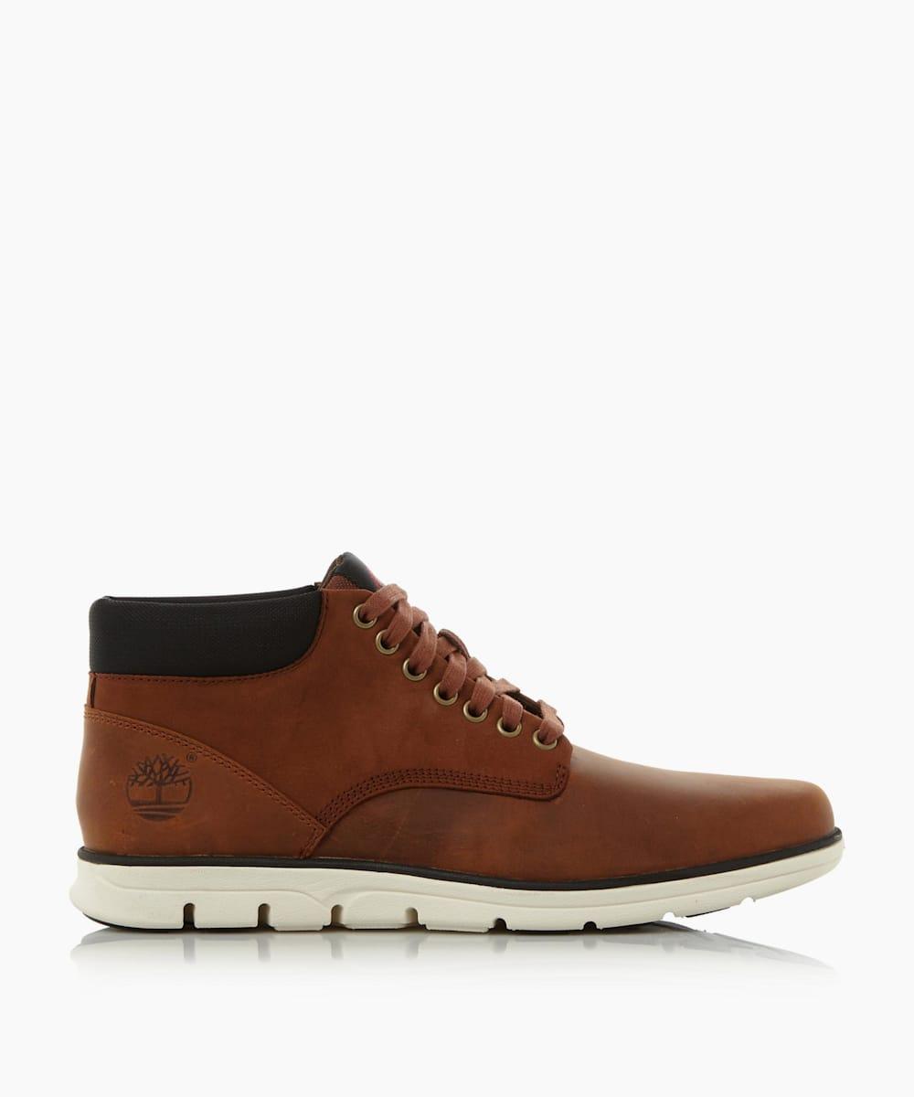 Wedge Sole Chukka Boots