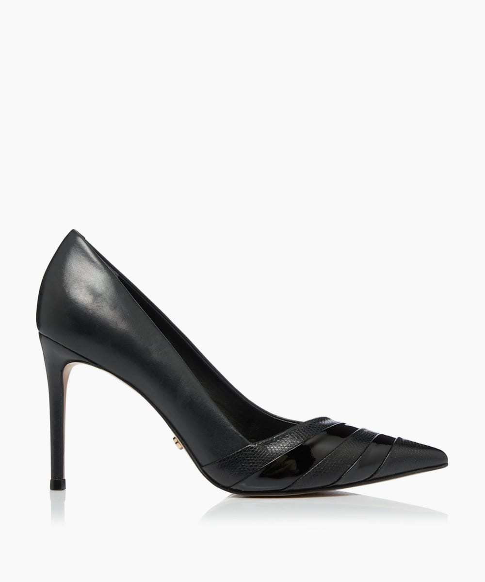 Contrast Court Shoe