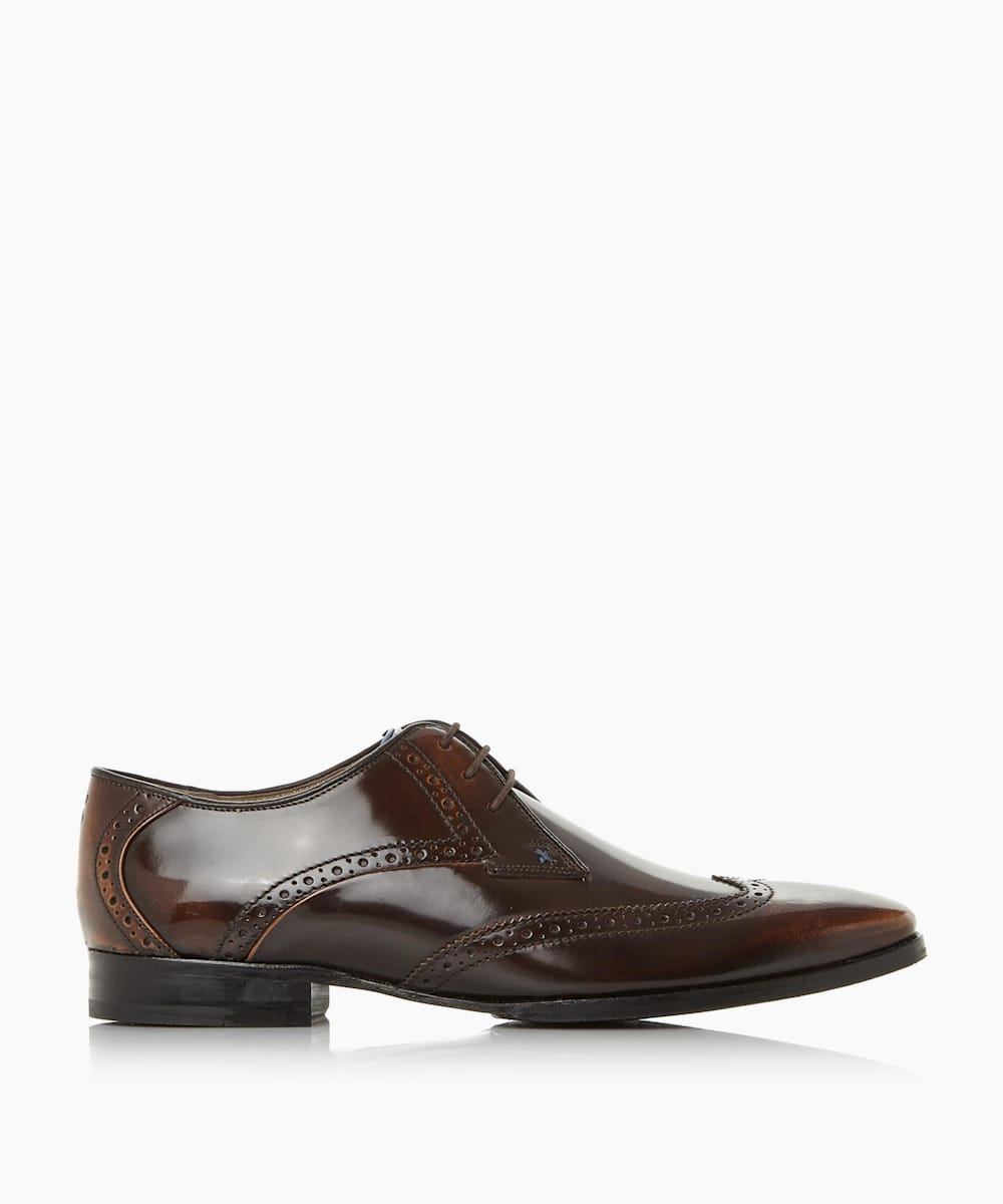 Smart Wingtip Brogue