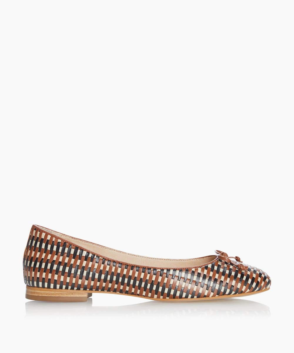 Lattice Ballet Pumps