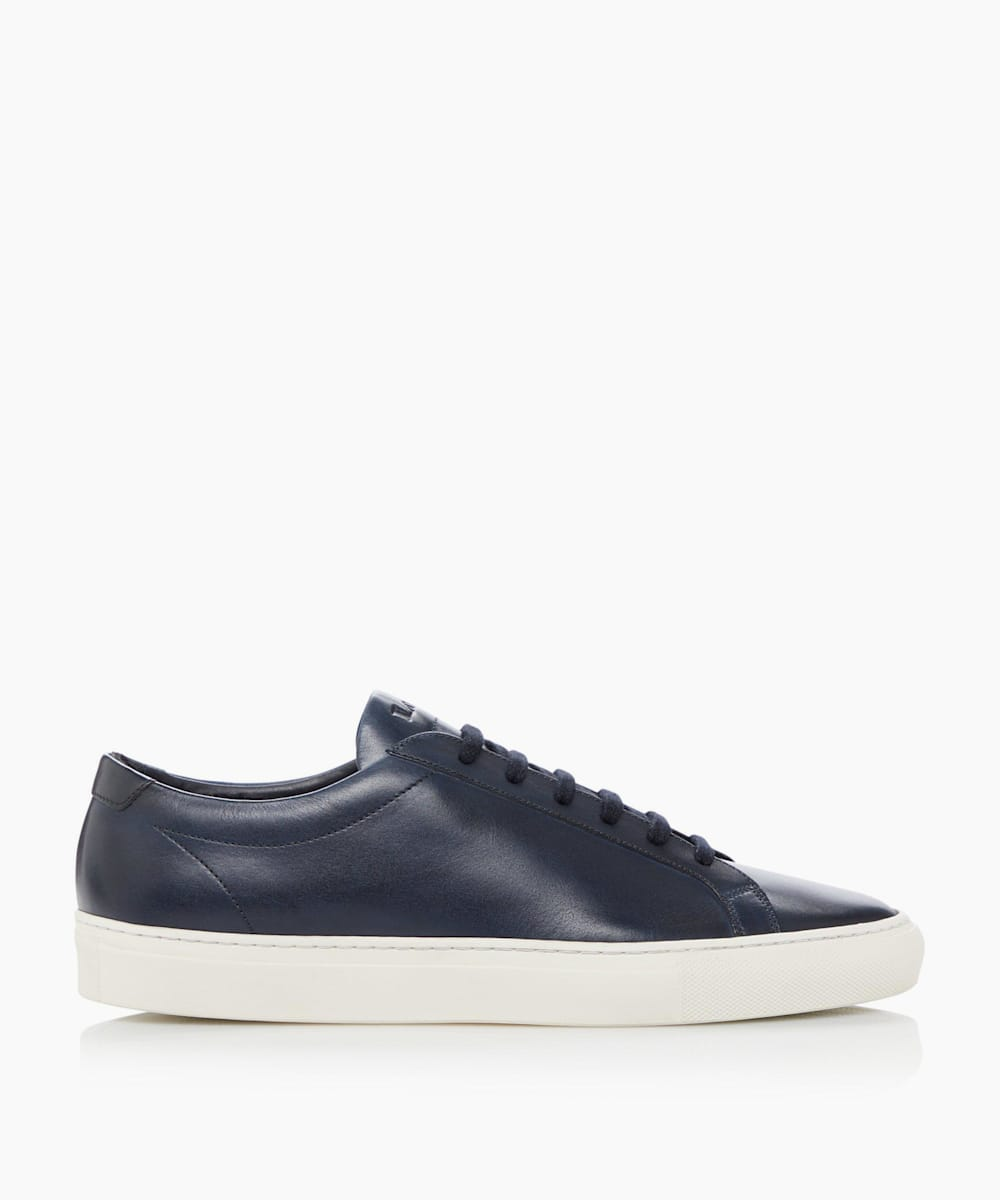 Round Toe Lace Up Trainers